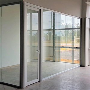 Divisória industrial de vidro duplo