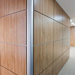 Divisórias para escritório em madeira